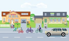 Πόλη με την κυκλοφορία και πεζοί στο πεζοδρόμιο ελεύθερη απεικόνιση δικαιώματος