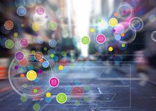 Πόλη με τη ζωηρόχρωμη app μετάβαση εικονιδίων Στοκ φωτογραφία με δικαίωμα ελεύθερης χρήσης
