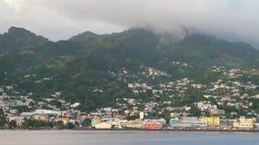 Πόλη στην ακτή και τα βουνά Kingstown, Άγιος Vincent και Γρεναδίνες απόθεμα βίντεο