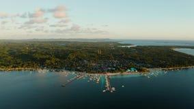 Πόλη στρατηγός Luna στην ακτή του νησιού Siargao απόθεμα βίντεο