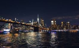 Πόλη της Νέας Υόρκης από τη γέφυρα του Μπρούκλιν στοκ εικόνες