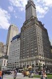 Πόλη της Νέας Υόρκης, την 1η Ιουλίου: Μητροπολιτική λέσχη από τη Πέμπτη Λεωφόρος στο Μανχάταν από πόλη της Νέας Υόρκης στις Ηνωμέ Στοκ Εικόνες