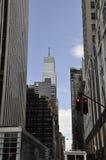 Πόλη της Νέας Υόρκης, την 1η Ιουλίου: Ουρανοξύστες από τη Πέμπτη Λεωφόρος στο Μανχάταν από πόλη της Νέας Υόρκης στις Ηνωμένες Πολ Στοκ Εικόνες