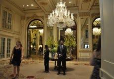 Πόλη της Νέας Υόρκης, την 1η Ιουλίου: Το εσωτερικό ξενοδοχείων Plaza από τη Πέμπτη Λεωφόρος στο της περιφέρειας του κέντρου Μανχά Στοκ φωτογραφία με δικαίωμα ελεύθερης χρήσης