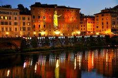 Πόλη της Φλωρεντίας τή νύχτα, Ιταλία   Στοκ φωτογραφία με δικαίωμα ελεύθερης χρήσης