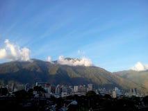 Πόλη του Καράκας με Cerro EL Avila στο υπόβαθρο στοκ φωτογραφίες