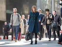 Πόλη του Λονδίνου, περπατώντας επιχειρηματίες στην οδό UK Στοκ φωτογραφίες με δικαίωμα ελεύθερης χρήσης