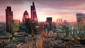 Πόλη του Λονδίνου, της επιχείρησης και των τραπεζικών εργασιών aria Πανόραμα του Λονδίνου ` s στο σύνολο ήλιων Άποψη από τον καθε φιλμ μικρού μήκους