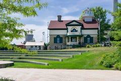Πόλη του Μίτσιγκαν, Ιντιάνα/ΗΠΑ στις 28 Ιουλίου 2018: Μουσείο φάρων πάρκων της Ουάσιγκτον στο Millennium Park που λούζεται στο φω στοκ φωτογραφία