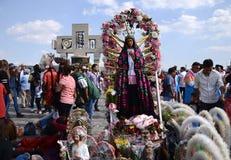 Πόλη του Μεξικού, Μεξικό 11 Δεκεμβρίου 2018: Οι προσκυνητές γιορτάζουν τους εορτασμούς στη βασιλική του Guadalupe στοκ εικόνες με δικαίωμα ελεύθερης χρήσης