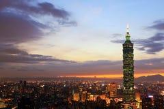 Πόλη του Ταιπέι στο λυκόφως Στοκ Εικόνες