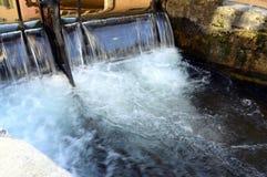 Πόλη του Annecy, κανάλι Thiou, κραμπολάχανο, Γαλλία Στοκ Εικόνες