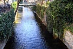 Πόλη του Annecy, κανάλι Thiou, κραμπολάχανο, Γαλλία Στοκ φωτογραφία με δικαίωμα ελεύθερης χρήσης