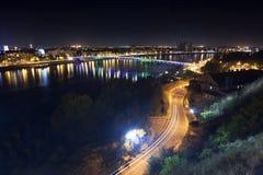 Πόλη Novi Sad τη νύχτα Στοκ φωτογραφία με δικαίωμα ελεύθερης χρήσης