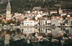 Πόλη perast στο Μαυροβούνιο από την αδριατική θάλασσα Στοκ Εικόνες
