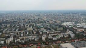Πόλη Ploiesti, Ρουμανία, κεραία βόρεια πλευρών απόθεμα βίντεο