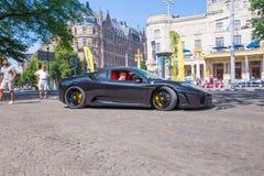 Πόλη Stocholm, Σουηδία Αποκλειστικό αυτοκίνητο Ferrari στην οδό Αστικό CI στοκ εικόνα με δικαίωμα ελεύθερης χρήσης