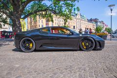Πόλη Stocholm, Σουηδία Αποκλειστικό αυτοκίνητο Ferrari στην οδό Αστικό CI στοκ εικόνες