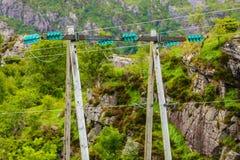Πόλοι τάσης, πυλώνας ηλεκτρικής ενέργειας, πύργος ισχύος μετάδοσης Στοκ Εικόνες