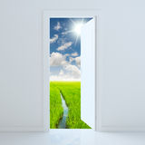 πόρτα ανοικτή στον τομέα ομορφιάς Στοκ εικόνες με δικαίωμα ελεύθερης χρήσης
