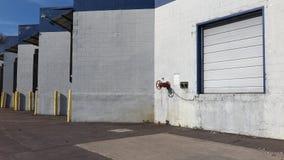 Πόρτα αποβαθρών φόρτωσης Στοκ εικόνες με δικαίωμα ελεύθερης χρήσης