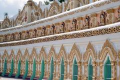 Πόρτα εισόδων αψίδων της ελάχιστης Thonze σπηλιάς του U, λόφος Sagaing, το Μιανμάρ Στοκ φωτογραφίες με δικαίωμα ελεύθερης χρήσης