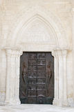Πόρτα εισόδων της βασιλικής του ST Michael σε Monte Sant'Angelo Στοκ εικόνες με δικαίωμα ελεύθερης χρήσης