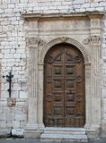 πόρτα εκκλησιών assisi Στοκ Φωτογραφία