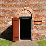 πόρτα εκκλησιών ανοικτή Στοκ εικόνα με δικαίωμα ελεύθερης χρήσης