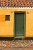 πόρτα εξοχικών σπιτιών Στοκ φωτογραφία με δικαίωμα ελεύθερης χρήσης