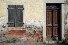 Πόρτα και παράθυρο Στοκ φωτογραφία με δικαίωμα ελεύθερης χρήσης
