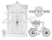 Πόρτα με τις τουλίπες και το ποδήλατο λουλουδιών ελεύθερη απεικόνιση δικαιώματος