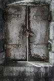 Πόρτα μπουντρουμιών Στοκ Φωτογραφίες