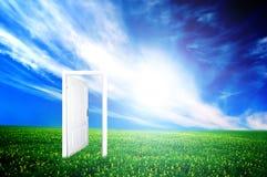 πόρτα νέα στον κόσμο στοκ εικόνα με δικαίωμα ελεύθερης χρήσης