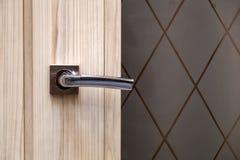 Πόρτα χάλυβα, ξύλινη περιποίηση στοκ εικόνες με δικαίωμα ελεύθερης χρήσης