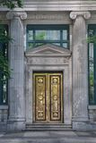 Πόρτα ορείχαλκου της τράπεζας Στοκ εικόνες με δικαίωμα ελεύθερης χρήσης