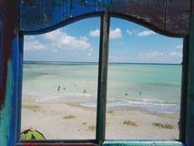 Πόρτα παραλιών και μια συμπαθητική άποψη Μαύρης Θάλασσας στοκ εικόνες