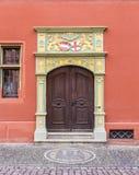Πόρτα στο ιστορικό κατάστημα Στοκ εικόνα με δικαίωμα ελεύθερης χρήσης