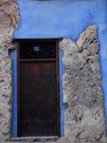 Πόρτα στο στρώμα βράχου Στοκ Εικόνες