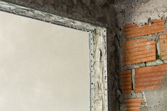 Πόρτα τσιμέντου δομών στην κατασκευή βιομηχανίας Στοκ Φωτογραφίες