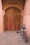 πόρτες Μαροκινός κέδρων Στοκ Εικόνα
