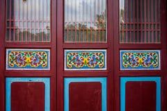 Πόρτες οικοδόμησης παραδοσιακού κινέζικου Στοκ Εικόνες
