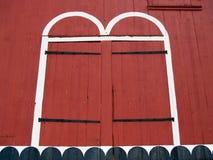 Πόρτες της παλαιάς κόκκινης σιταποθήκης σε Kutztown, κομητεία βερκέλιων, PA Στοκ Εικόνες