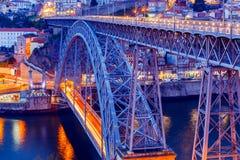 Πόρτο Η Don Luis γέφυρα στην μπλε ώρα Στοκ Εικόνες