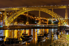Πόρτο Η Don Luis γέφυρα τη νύχτα Στοκ εικόνες με δικαίωμα ελεύθερης χρήσης