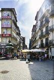 Πόρτο Πορτογαλία 12 Αυγούστου 2017: Εικόνα της οδού αρχής των λουλουδιών στο κέντρο της πόλης, ένα εμπορικό σύνολο οδών Στοκ Φωτογραφίες