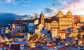 Πόρτο Πορτογαλία Ηλιοβασίλεμα στην παλαιά πορτογαλική πόλη στοκ εικόνες με δικαίωμα ελεύθερης χρήσης