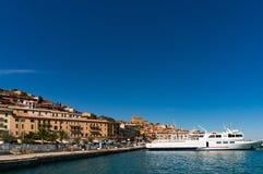 Πόρτο Santo Stefano στο νησί Monte Argentario, ακτή της Τοσκάνης Στοκ Φωτογραφία