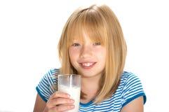 πόσιμο γάλα Στοκ εικόνα με δικαίωμα ελεύθερης χρήσης