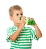 πόσιμο νερό αγοριών Στοκ φωτογραφίες με δικαίωμα ελεύθερης χρήσης